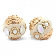 Perles bohèmes 16mm beige-diamant coated blanc doré